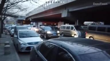 最近很火的北京天使DensTinon极限露出挑战大白天街上全裸行走